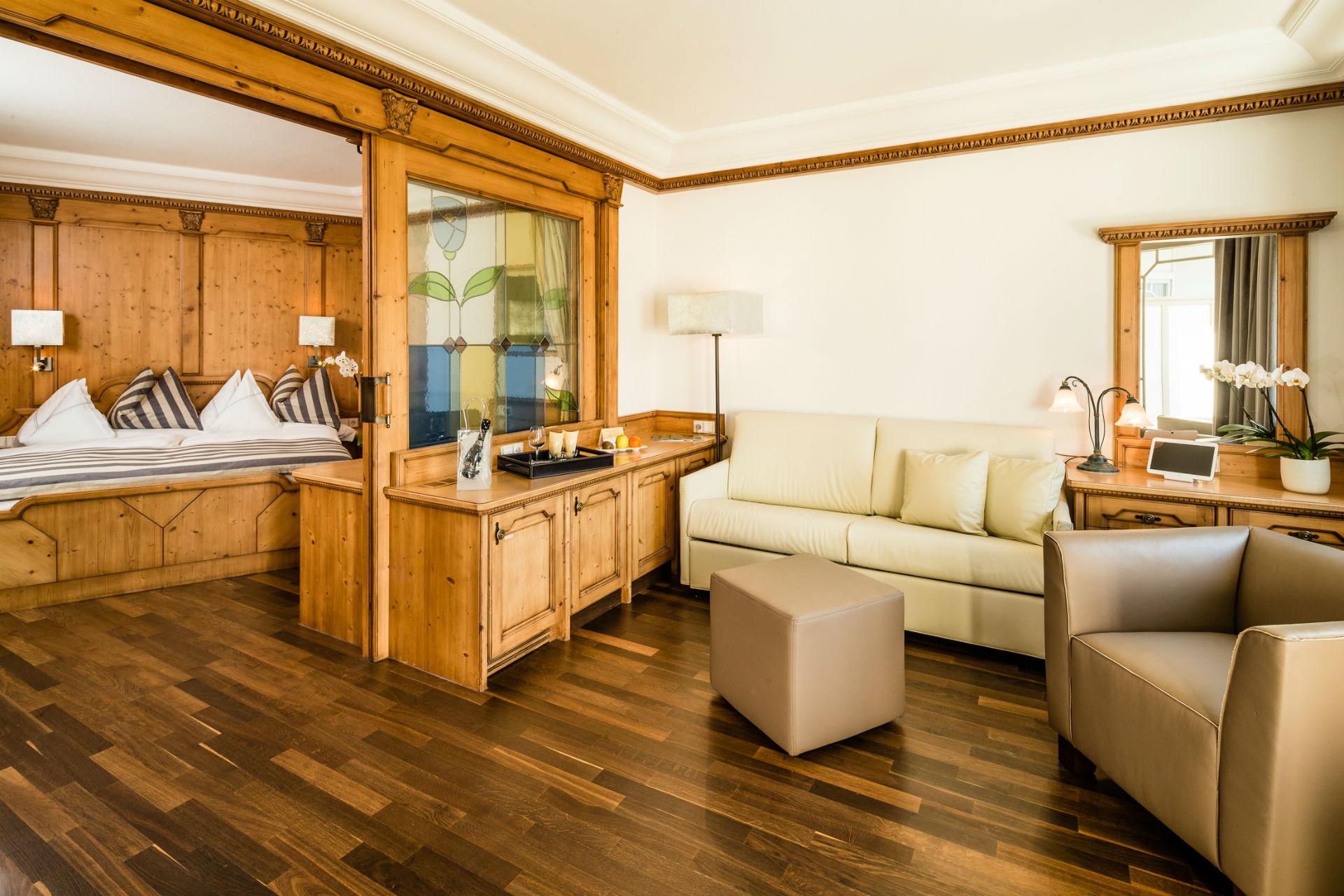 hotel weinegg urlaub s dtirol. Black Bedroom Furniture Sets. Home Design Ideas