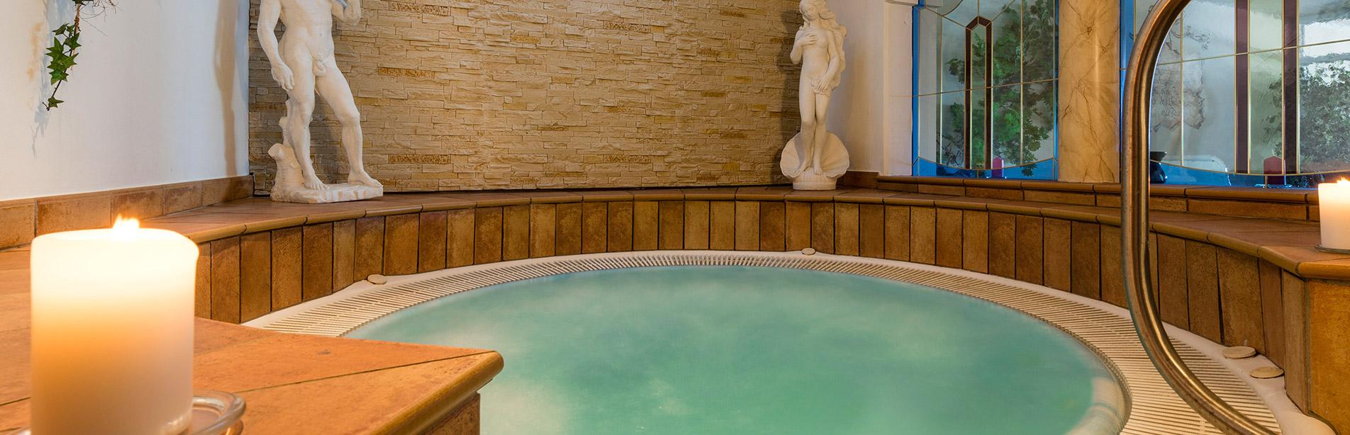 Hotel Sambergerhof whirlpool-2
